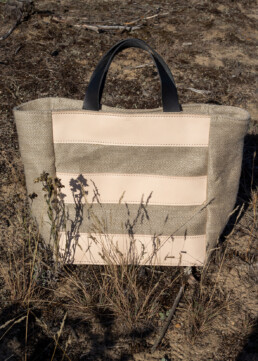 Tote bag with leather stripes