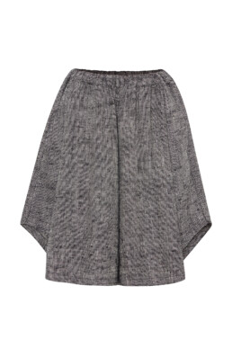 Shorts Sustainable luxury fashion.